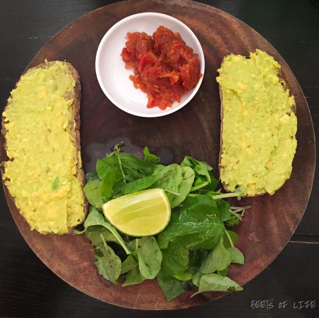 Avocado toast with tomato chutney