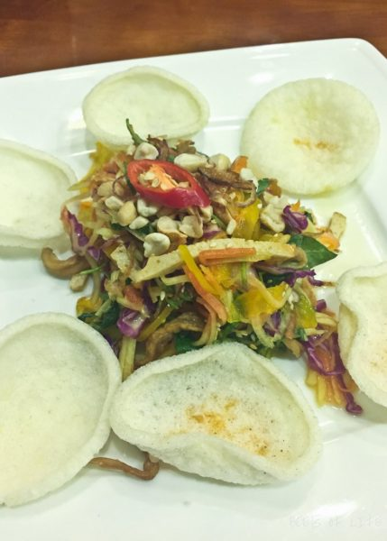 Vietnamese Vegetarian Food: Sauteed veggies with rice crackers
