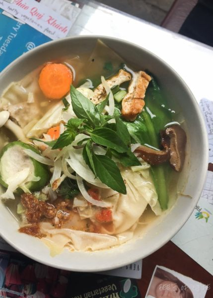 Vietnamese Vegetarian Food: Wonton Noodle Soup at Minh Hein