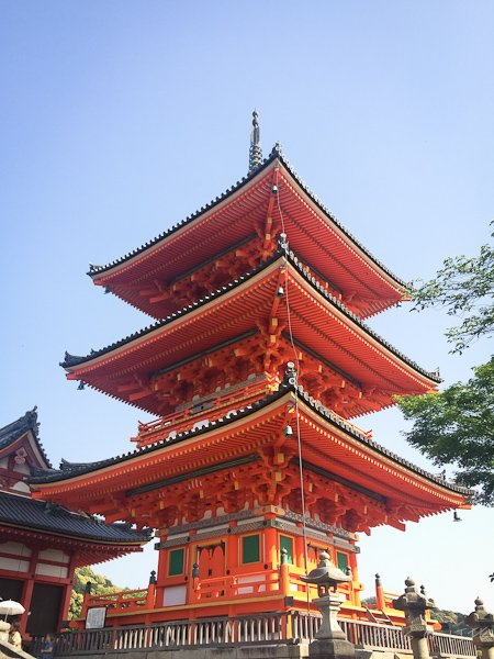 Temples and shrine to visit in Kyoto: Three tier pagoda at the entrance