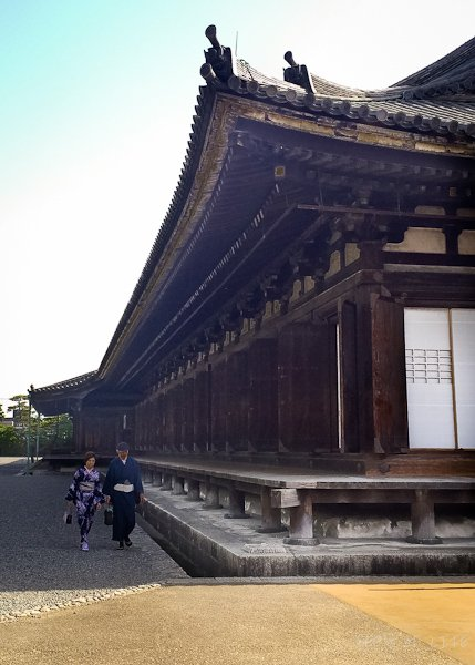 The longest wooden structure in Japan housing 1001 kannons!